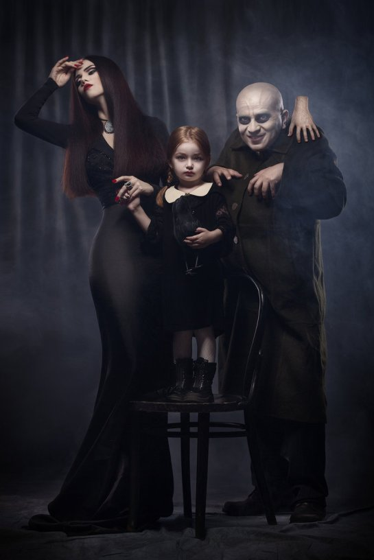 the_addams_family_by_aisii-d6sgfe5